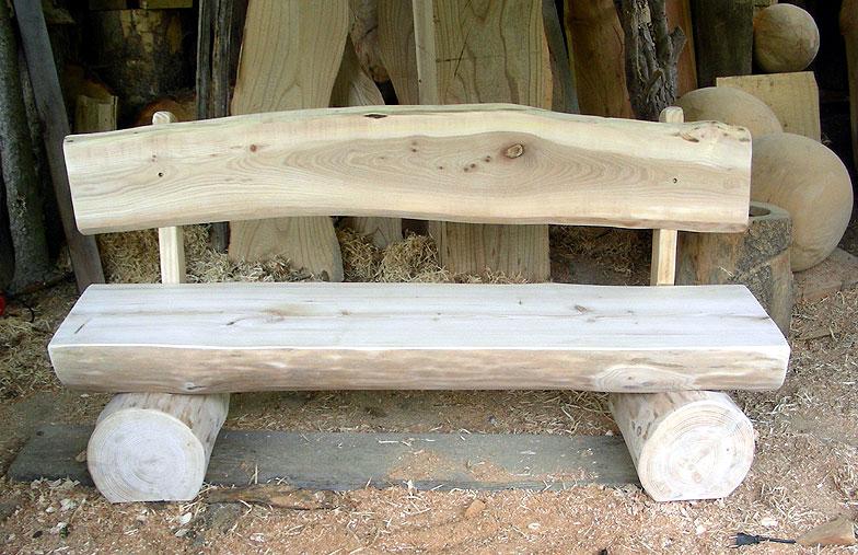 Gartemöbel aus Holz