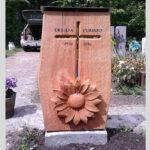 Grabmal Holz mit Sonne