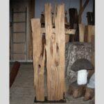 Grabmal aus Holzkstrunk